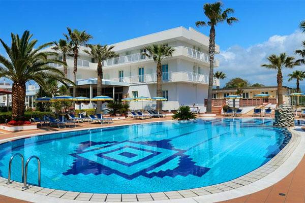 Paestum scavi mare e spiaggia - Hotel paestum con piscina ...